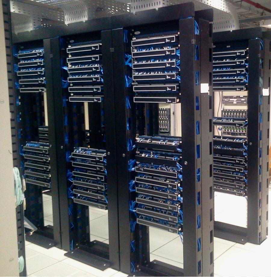 data center computer servers server room colocation centre web